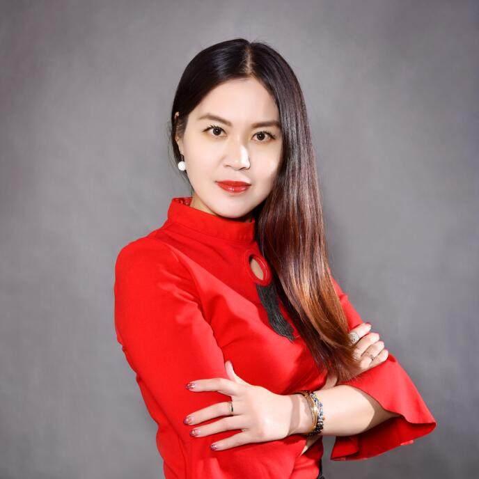 首席设计师-申春英