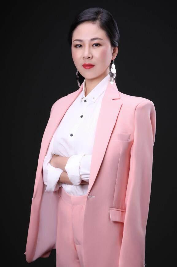 首席设计师-胡琼