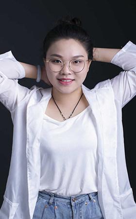 资深设计师-李婧