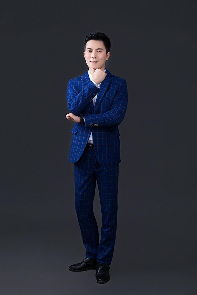 首席设计师-张燕菲