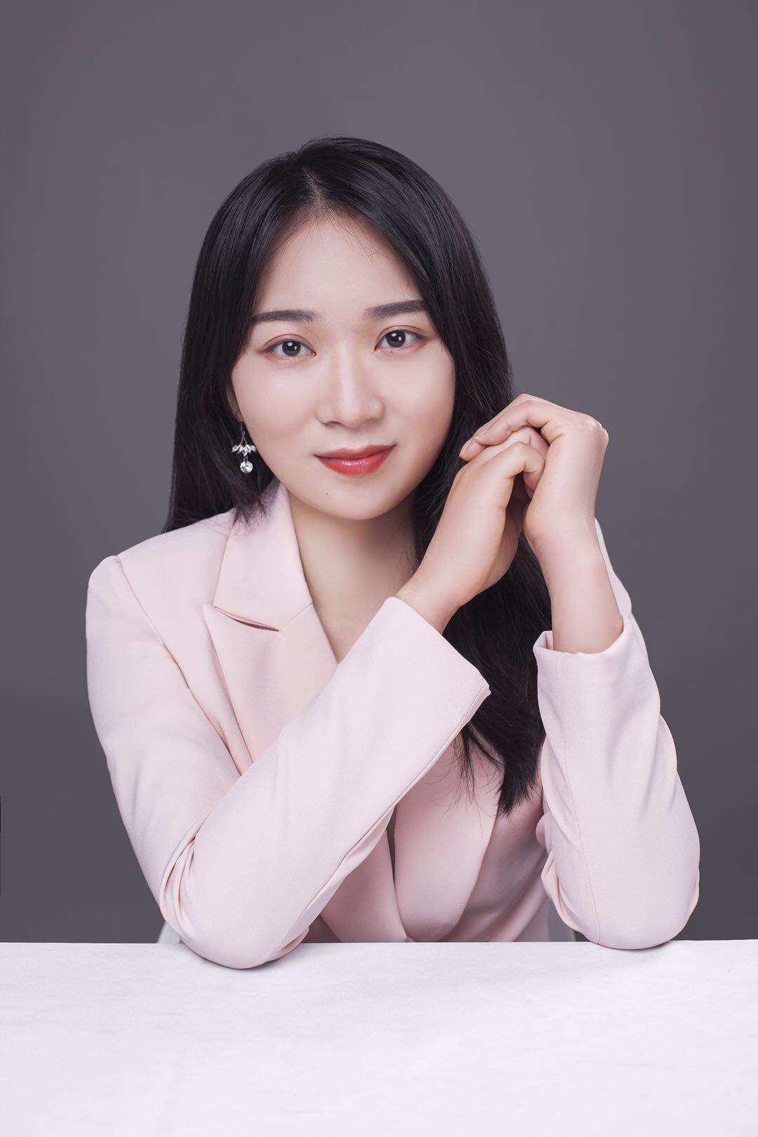 资深设计师-郑少霞