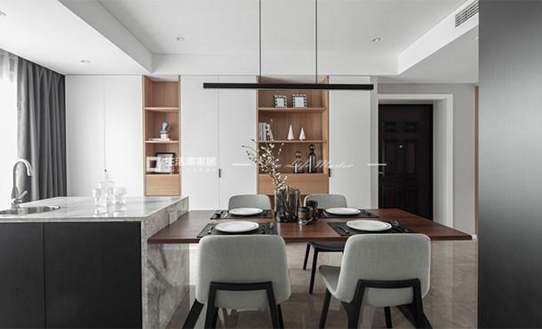 灰色系105平藍花楹溫馨后現代風格家裝案例