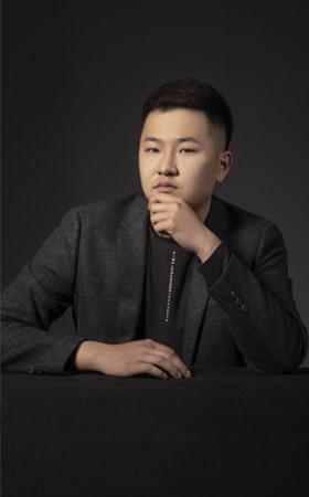 主创设计师-李东