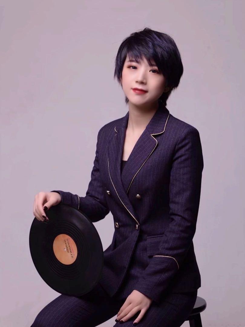 主任设计师-闫晓庆