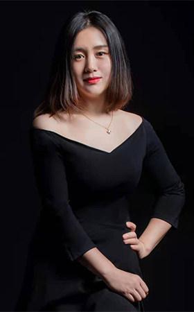 首席设计师-杨鹤